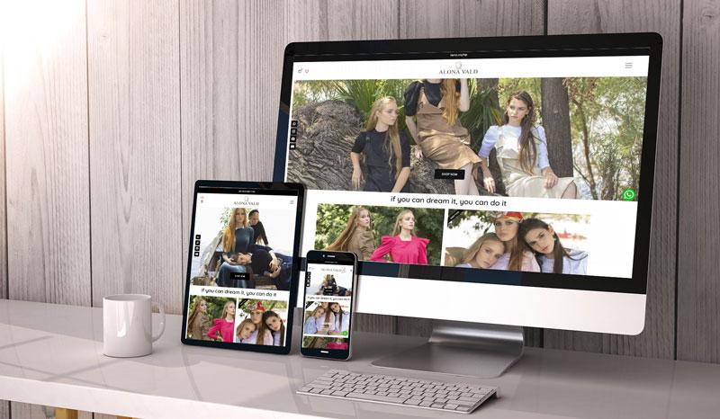 צילום מסך מחשב נייד וטלפון של אתר קטלוג בגדים של אלונה ואלד